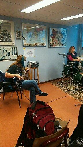 Bass&Drum.. Anja en Eliza!!!